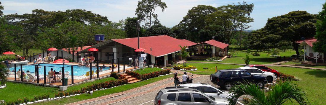 hotel-campestre-acuarela-zonas-verdes-28